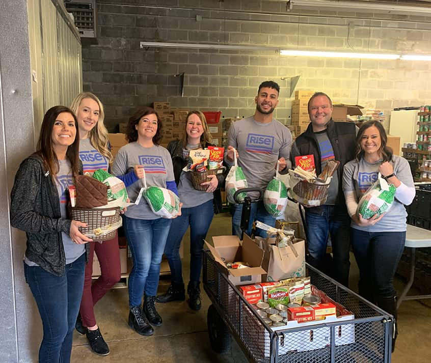 Rise Dispensaries Feeds Lakewood, Ohio Families For Thanksgiving